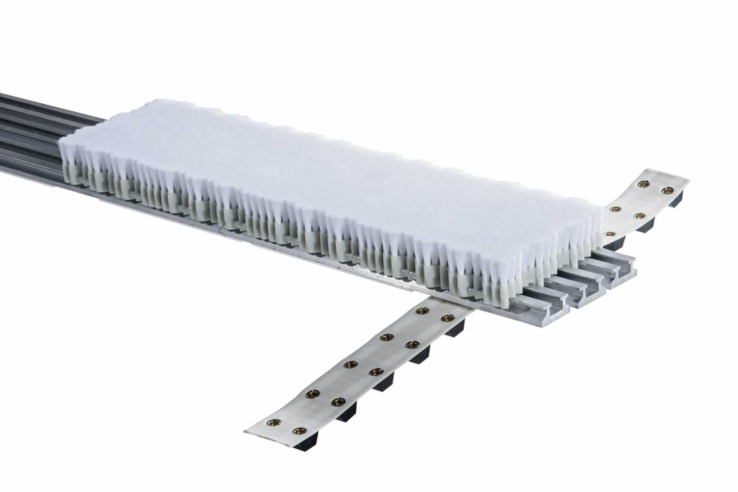 brush-conveyors-for-velour-needle-looms-02